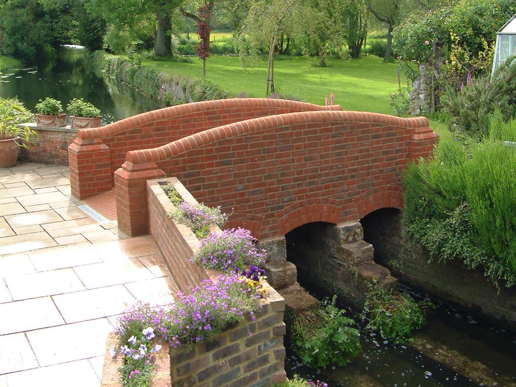 brick-bridge-brickwork